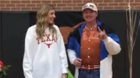 Star-Telegram reporter covers National Signing Day in DFW