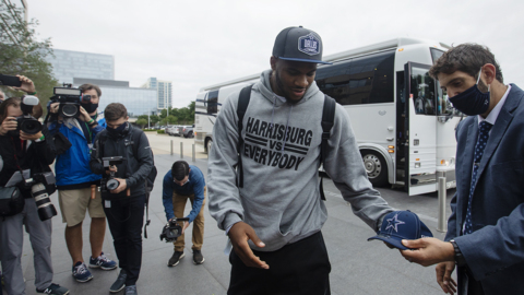 Cowboys first-round pick Micah Parsons arrives at team headquarters