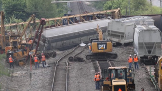 Multiple train cars derail on North Main Street in Fort Worth