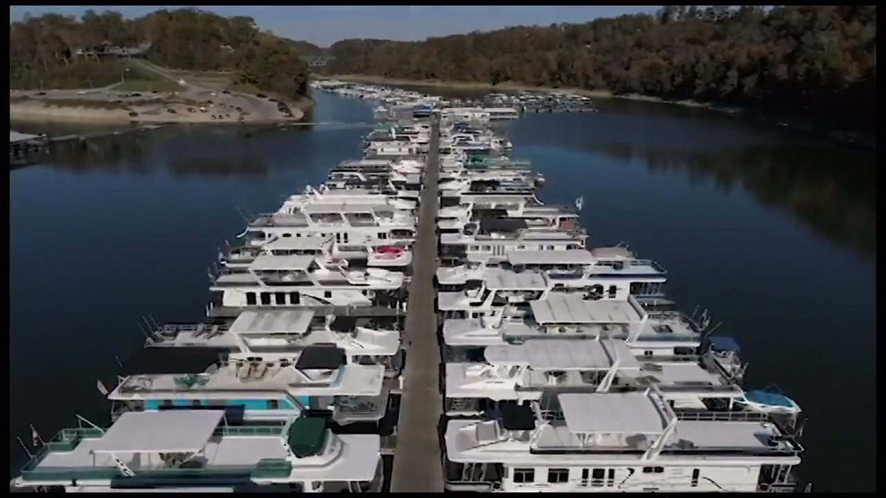 Luxury houseboat owners get a big tax break in Kentucky. Fishermen pay 30 times more.