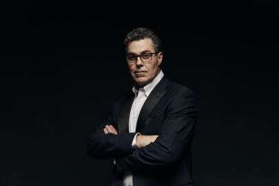 Adam Carolla visits Ky. podcasting, bartering for food and shelter with bourbon