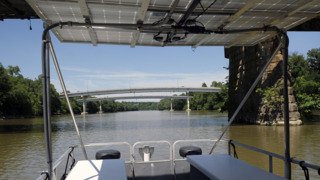 Cruising the Kentucky River on homemade solar-power boats.