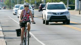 New bill requires drivers keep 3 feet away from bicycles