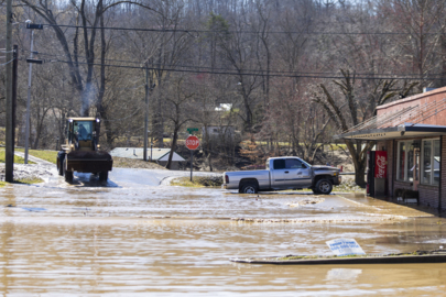 Watch the clean up begin after Beattyville flooding