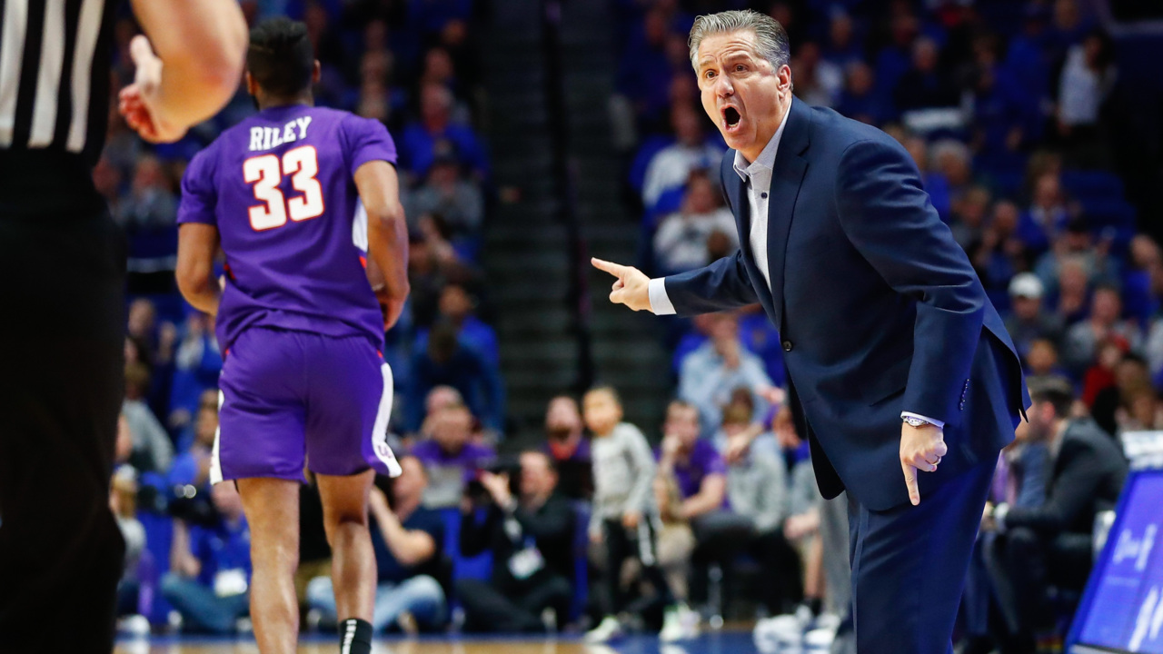 Kentucky's poor three-point shooting so far 'nothing to worry about'