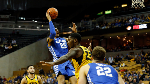 How did Kentucky handle a half-court game at Missouri?