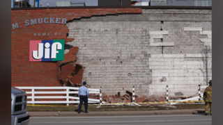 Brick collapses from side of Lexington's Jif factory wall
