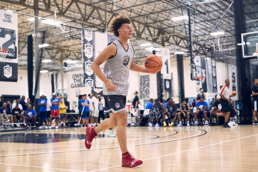 Signing week surprise: Devin Askew reclassifies, signs with Kentucky for next season