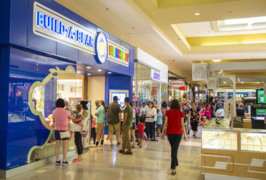 Fayette Mall Build-A-Bear closes enormous line for deep discounts on stuffed toys