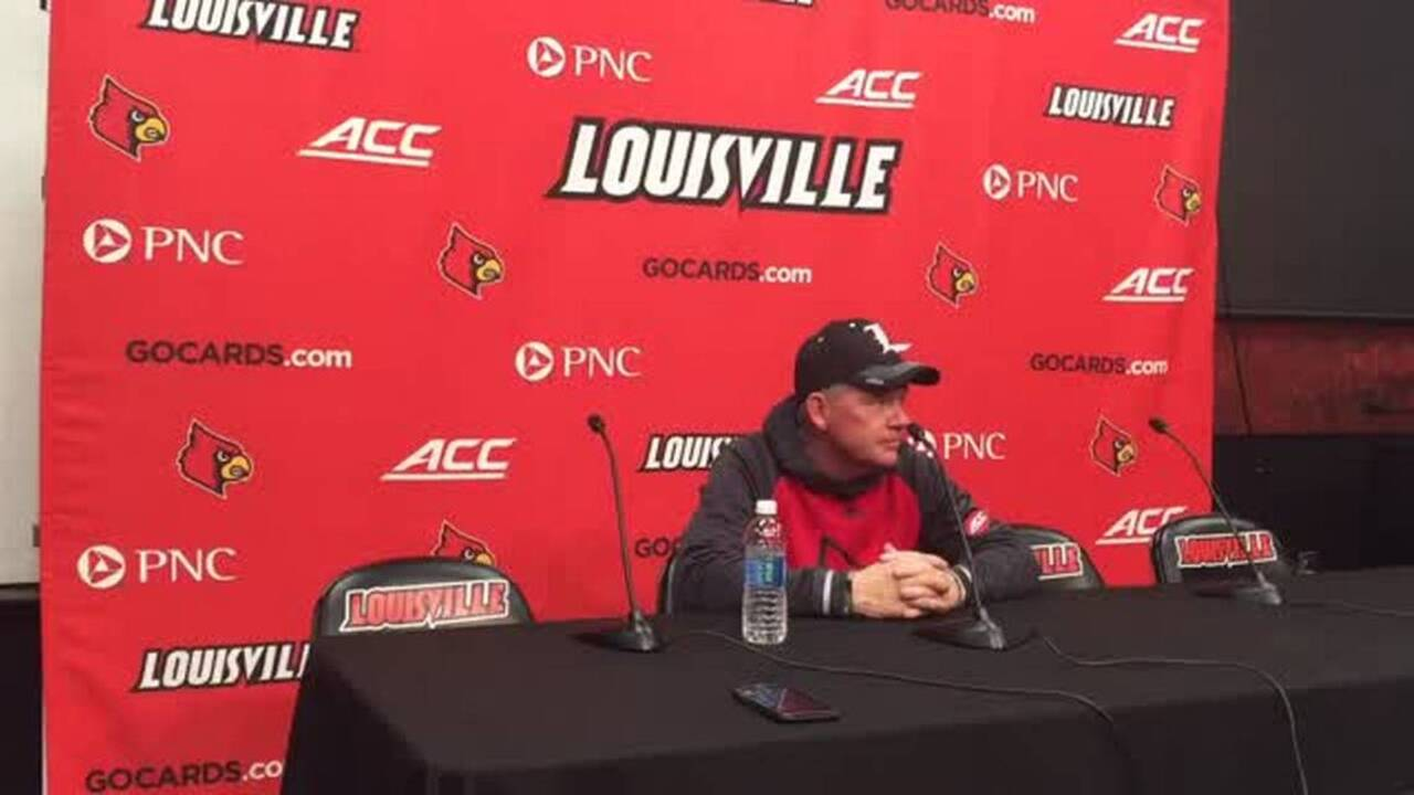 'Imagine being this desperate.' FCS school mocked for hiring Bobby Petrino.