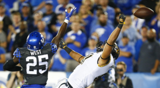 Kentucky safety Darius West earning rave camp reviews