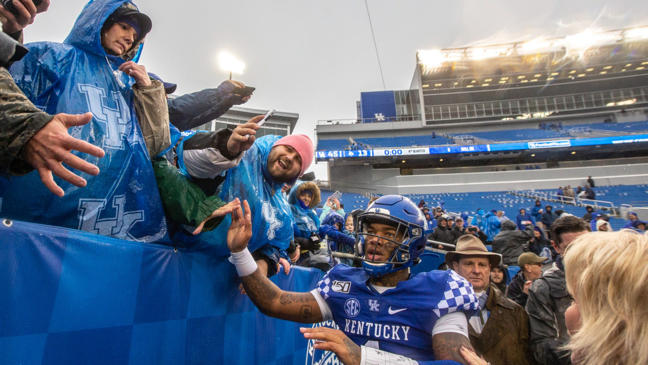 UK football season-ticket prices reduced for some parts of Kroger Field in 2020