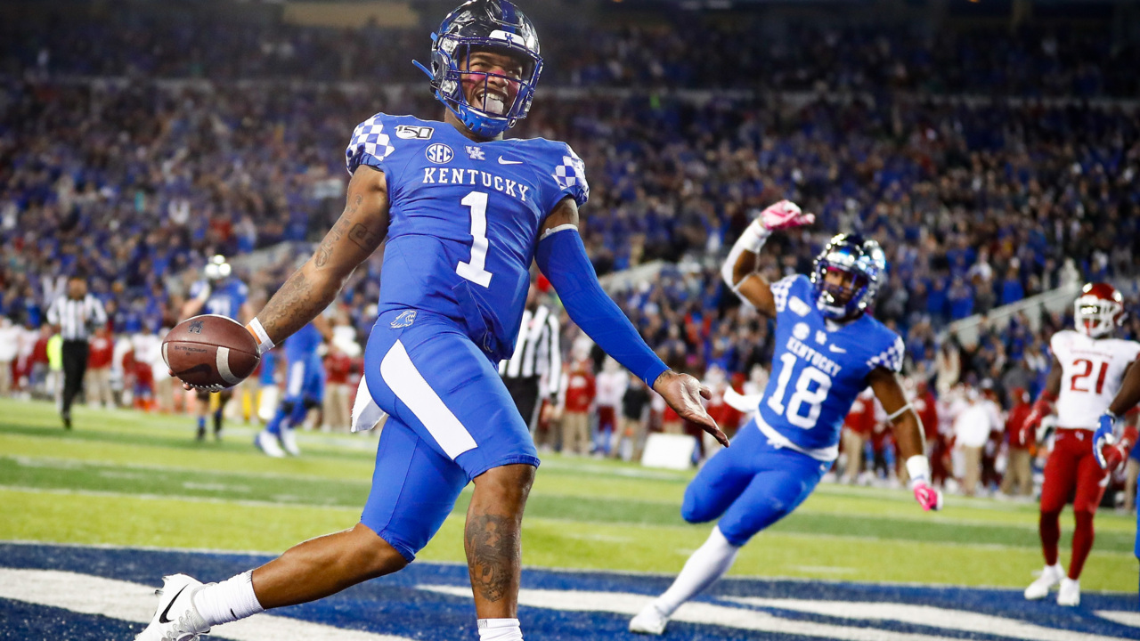Kentucky, with Lynn Bowden at quarterback, ends 3-game losing streak