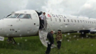 Passenger video shows plane that skidded off runway at Blue Grass Airport