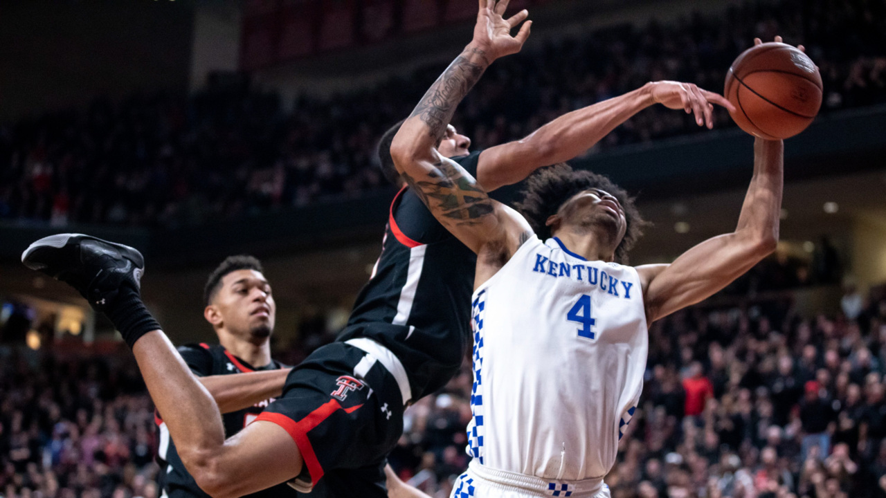 Kentucky basketball's thrilling win highlights SEC/Big 12 Challenge, and more links