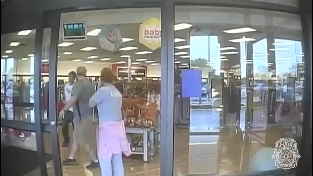 Shoplifter pulls knife at Lexington TJ Maxx to steal clothes he wore