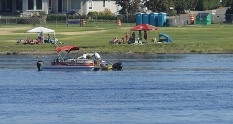 """Milfoil """"island"""" clogs boat racing lanes on Columbia River"""