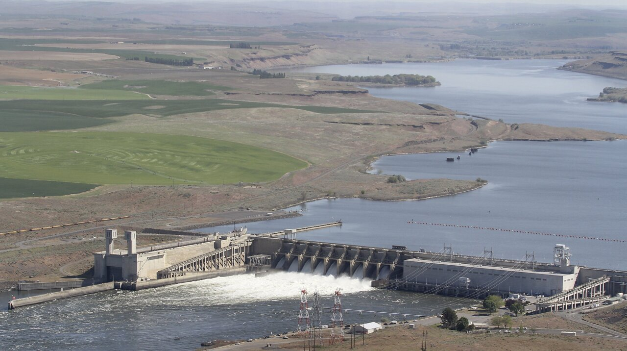 Seattle study favors breaching dams. 'Slap in the face,' says Tri-Cities congressman