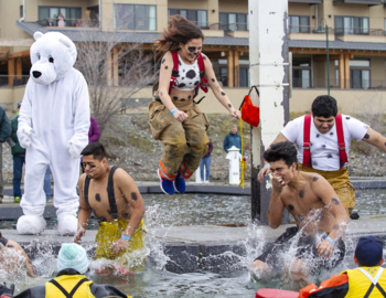 Tri-Cities takes the plunge for Special Olympics Washington