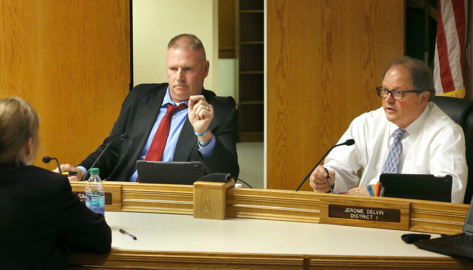 Split commission votes for immediate takeover of Benton County jail