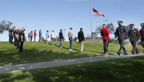 Tri-City veterans donate new flags for Vietnam memorial