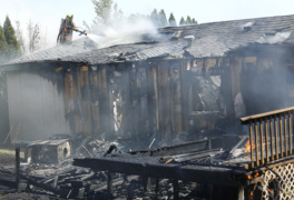 Blaze ravages West Richland mobile home
