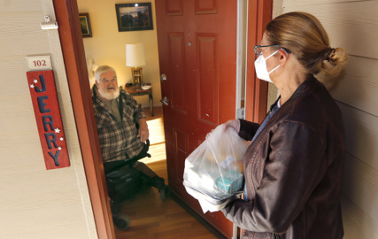 Meals On Wheel keeps delivering healthy nutrition to seniors during pandemic and the holidays