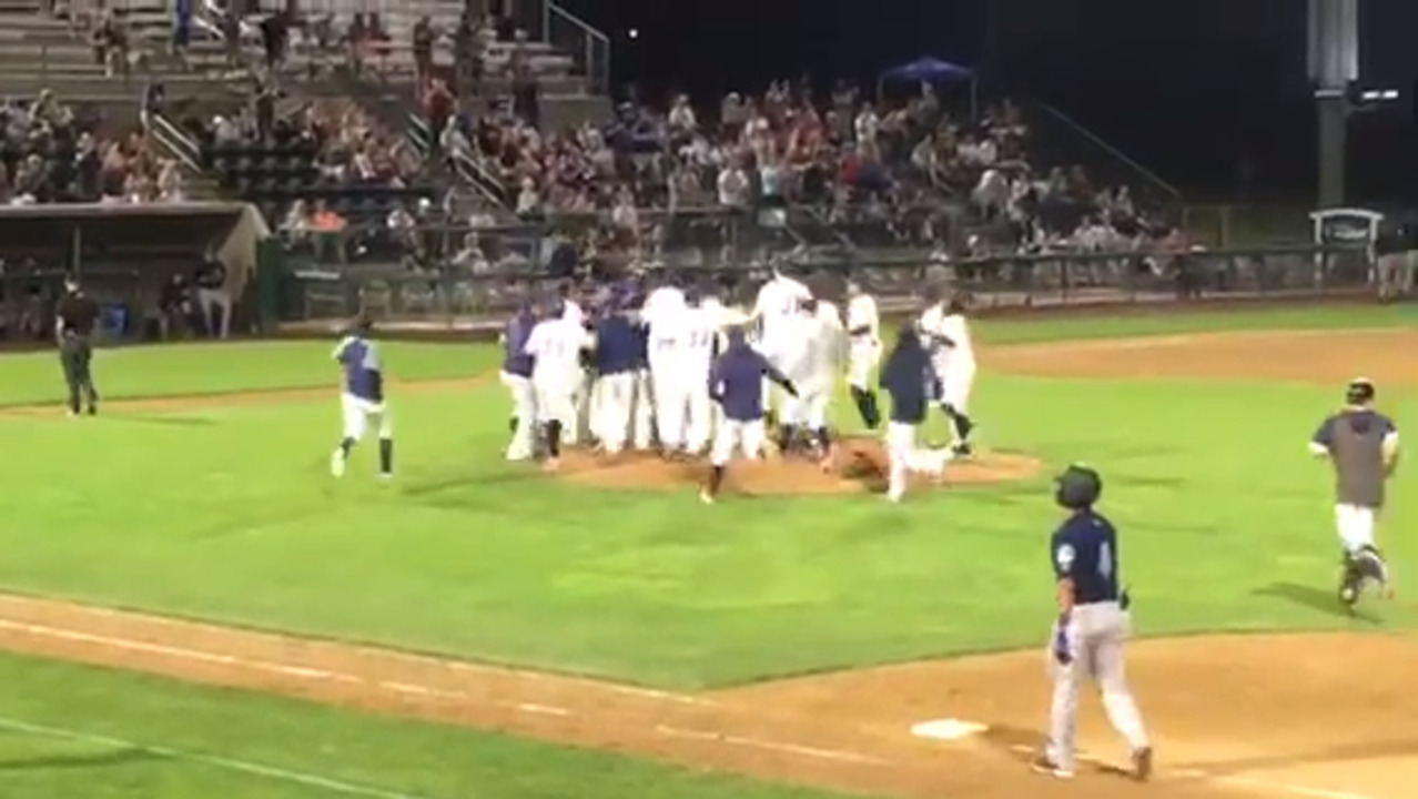 Dust Devils celebrate rare no-hitter. Miss HomeStreet kicks off hydro season with a win