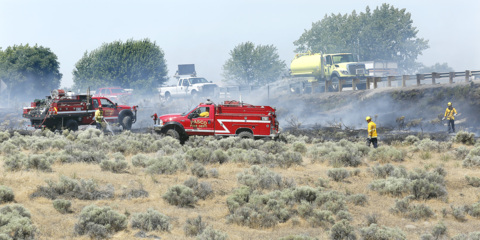 Wildfire near Highway 12 and I-182 causes traffic backups
