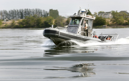 Man found after rescue crews called for missing swimmer in Richland