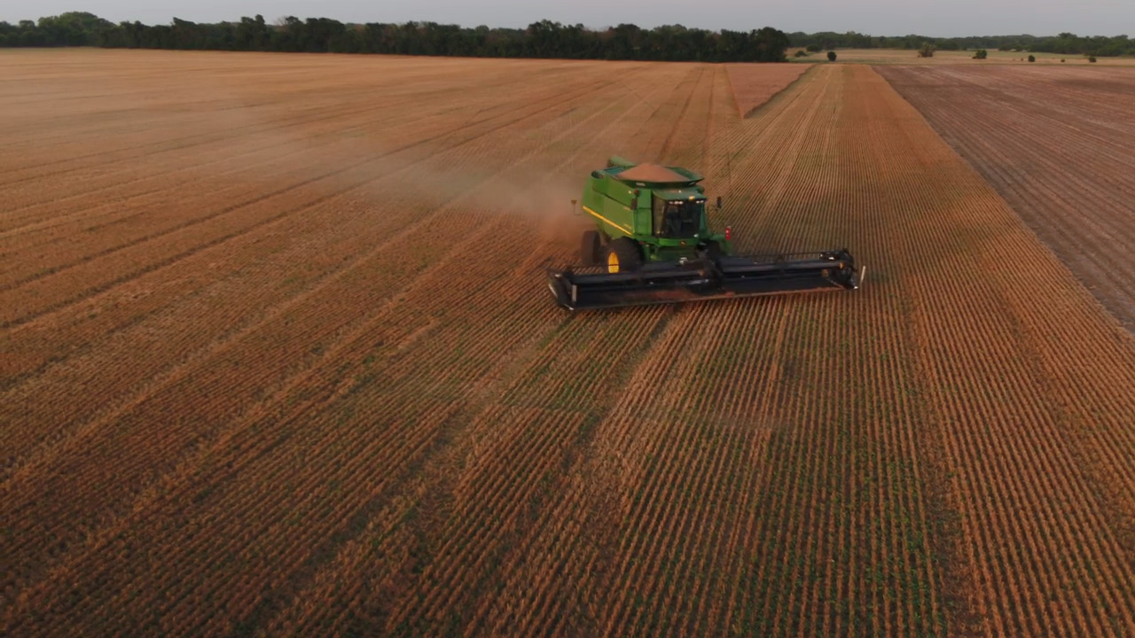 Hundreds of USDA jobs headed to KC after 'united effort' by Kansas and Missouri