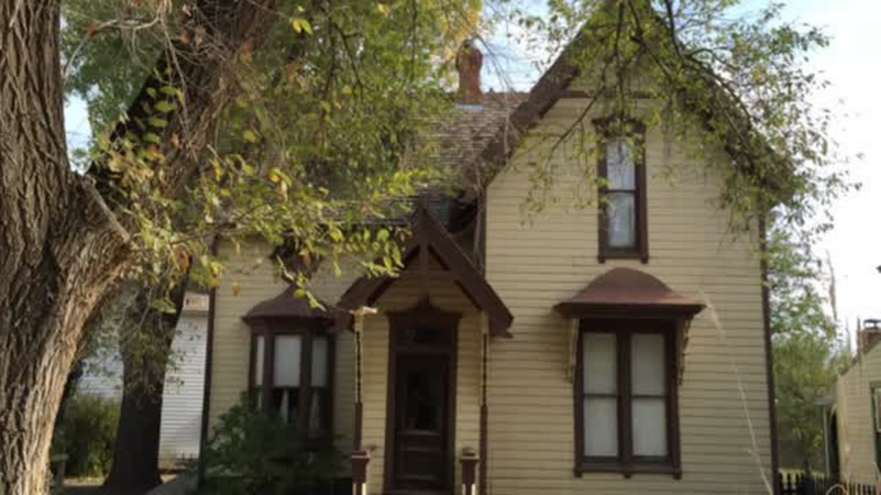 Paranormal investigators get in spirit of things with Kansas legends ...