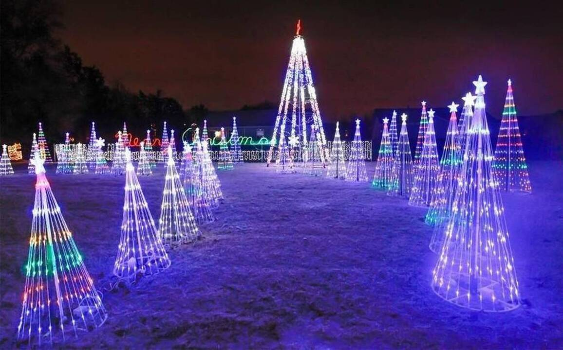 Holiday Light Display In Wichita The