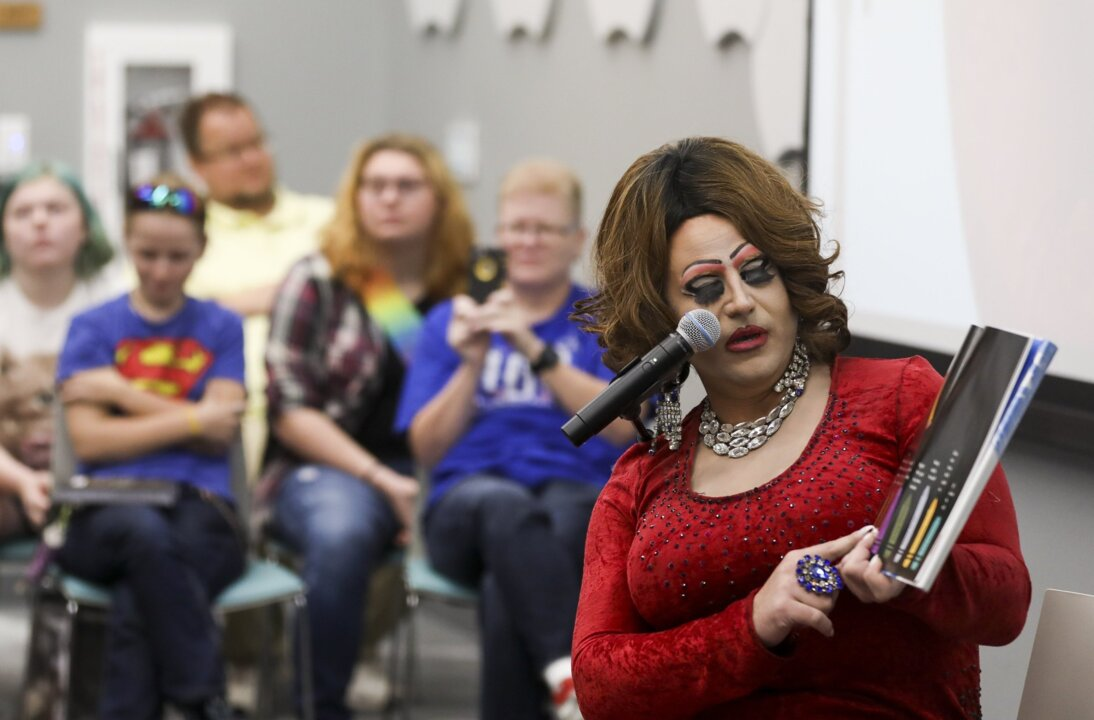Drag queens draw standing-room crowd at Wichita library | The Wichita Eagle
