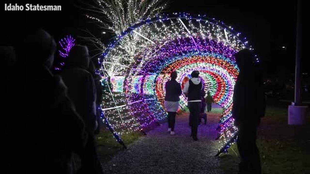 Really into Christmas lights? Jump-start your holiday spirit with our Treasure Valley guide