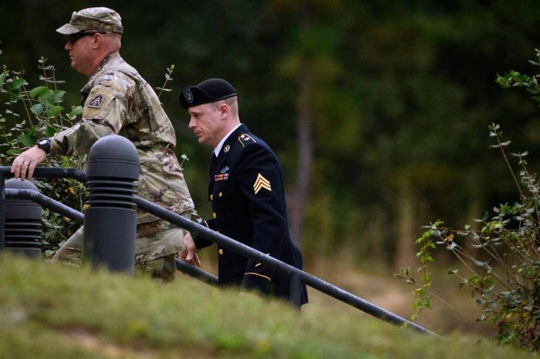 Bowe Bergdahl's sentence, avoiding prison time, is a 'disgrace,' Trump says