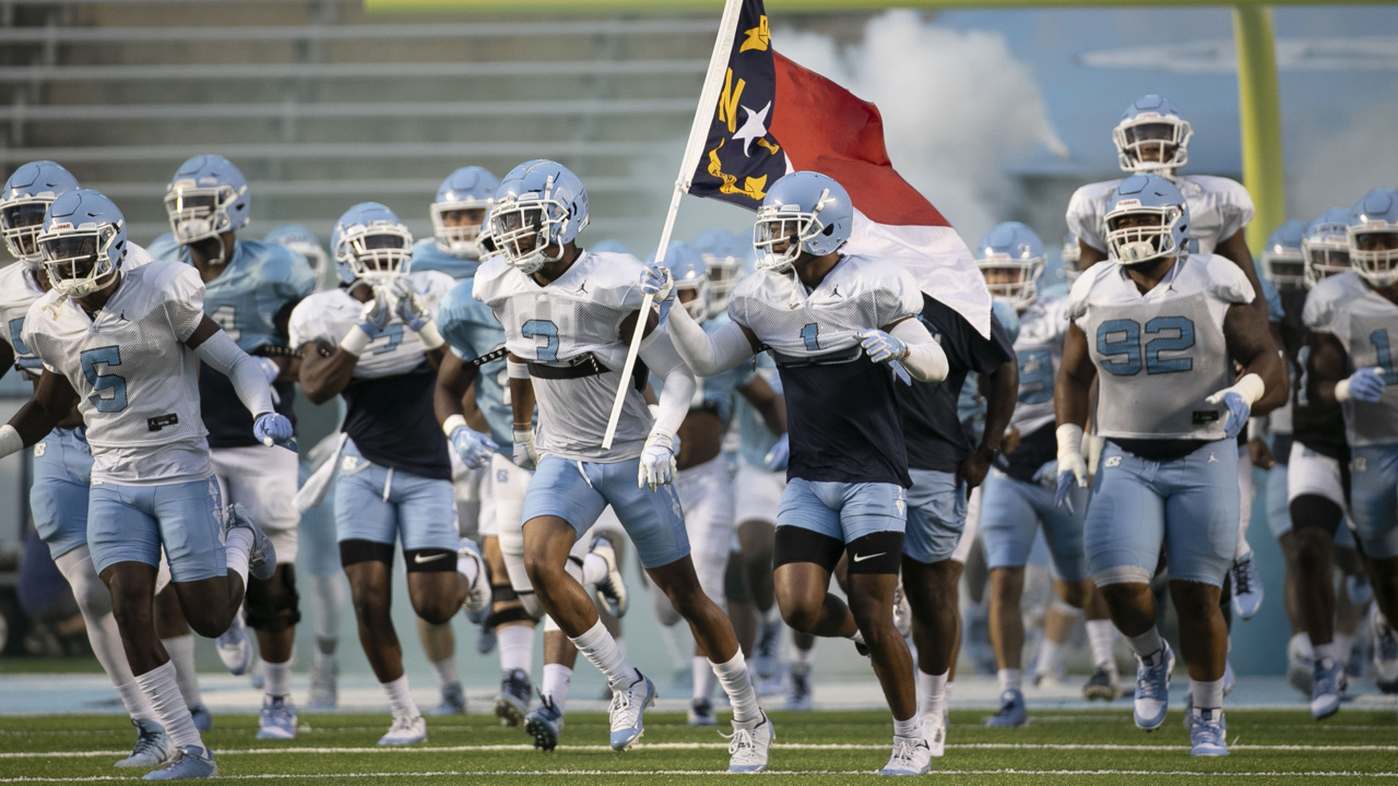 An open football practice? UNC's Brown lets students, fans into Kenan Stadium