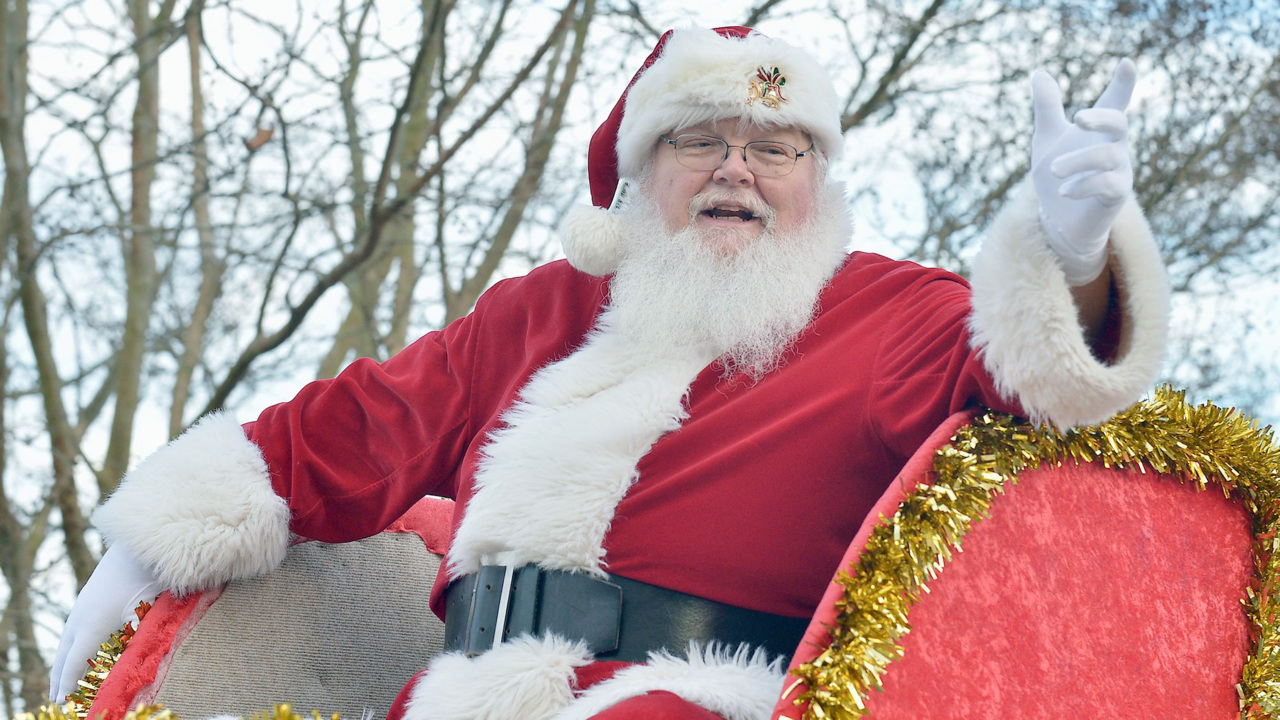 Hudson Nc Christmas Parade 2021 Garner Cancels Christmas Parade Out Of Fear Of Disruption Raleigh News Observer