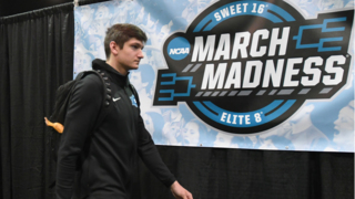 Duke arrives to CenturyLink Center before Sweet 16 game with Syracuse