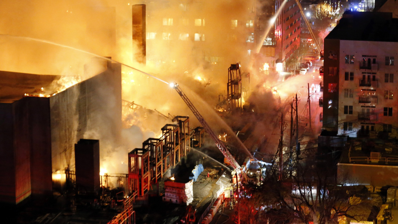 5 Alarm Fire Destroys Downtown Raleigh Nc Apartment Construction Project Raleigh News Observer