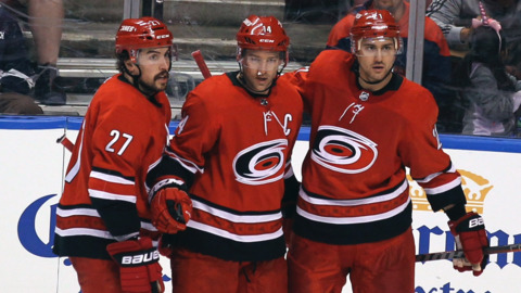 Justin Williams has a new scar, but the Canes got a tough road win over the Panthers