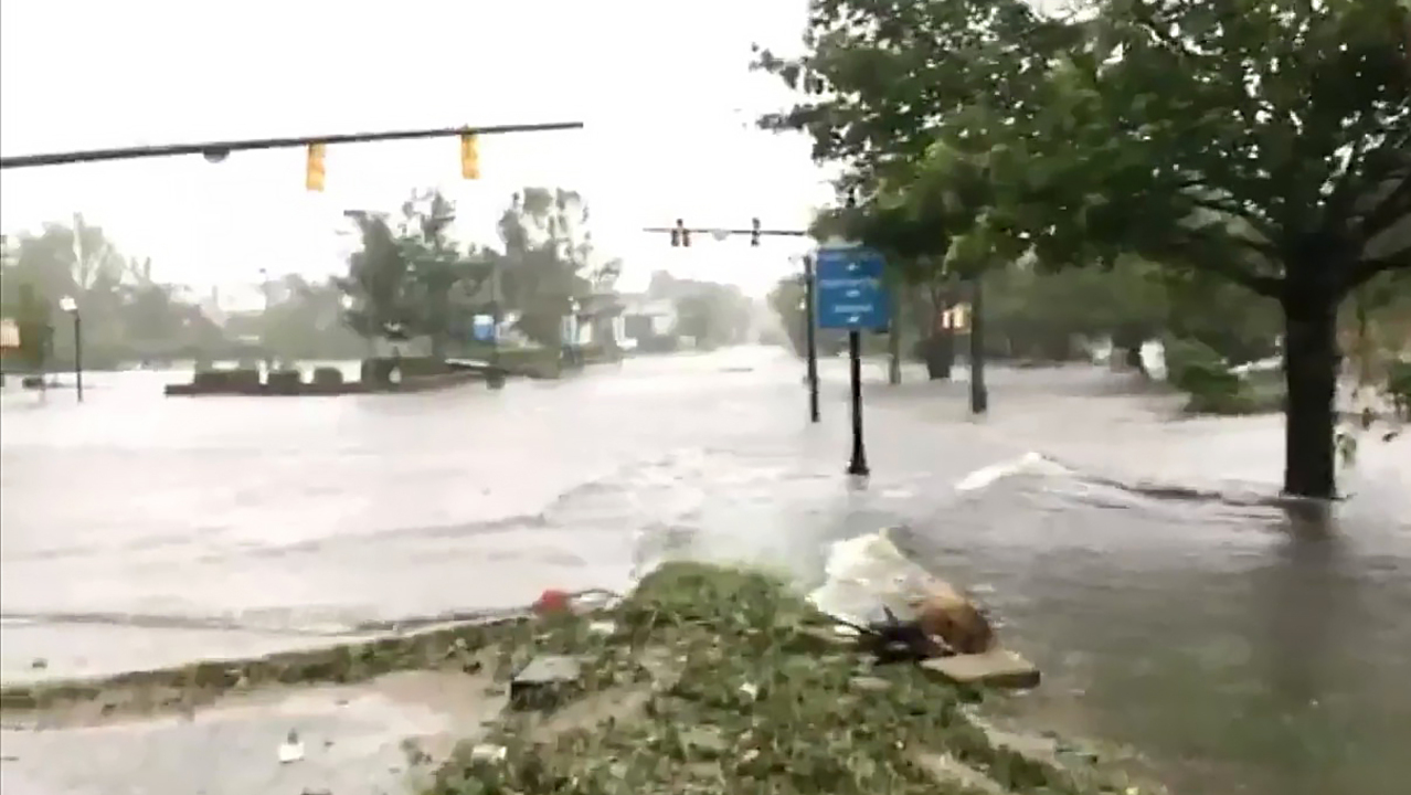 Five dead from Hurricane Florence, including mother and baby, say officials