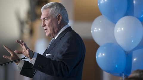 Mack Brown was a good coach, but can he keep up with the new football culture?