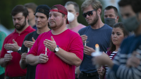 Hundreds honor the life of Andy Banks in Cameron Village