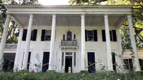 One piece at a time, a historic Raleigh home comes down and salvagers claim its parts