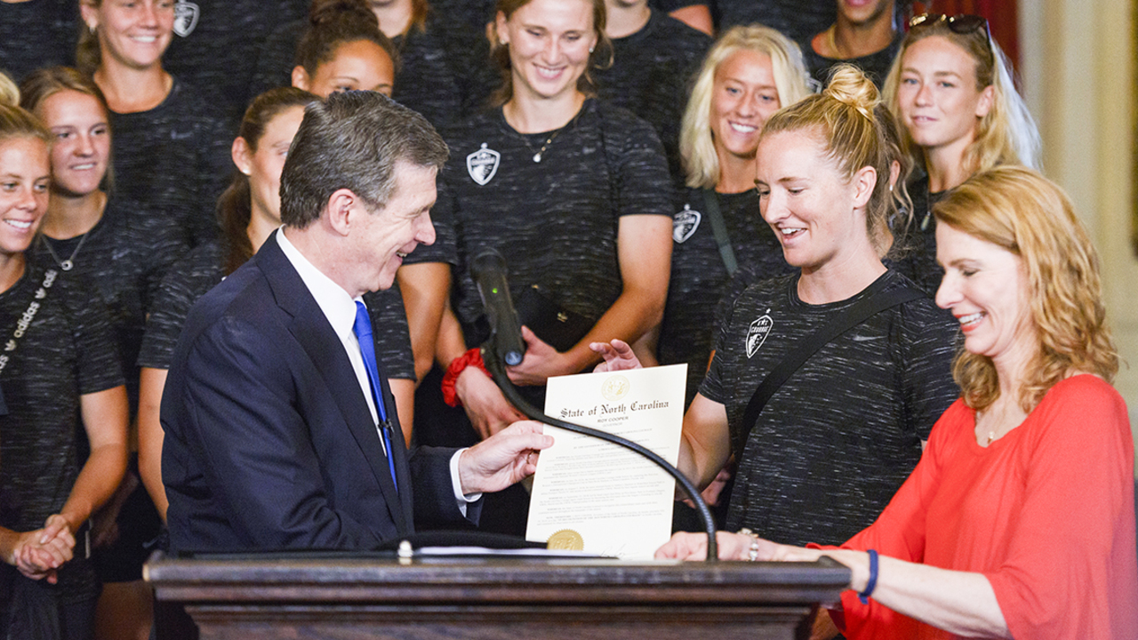 Gov. Cooper signs proclamation to honor NC Courage players: 'A voice for change'