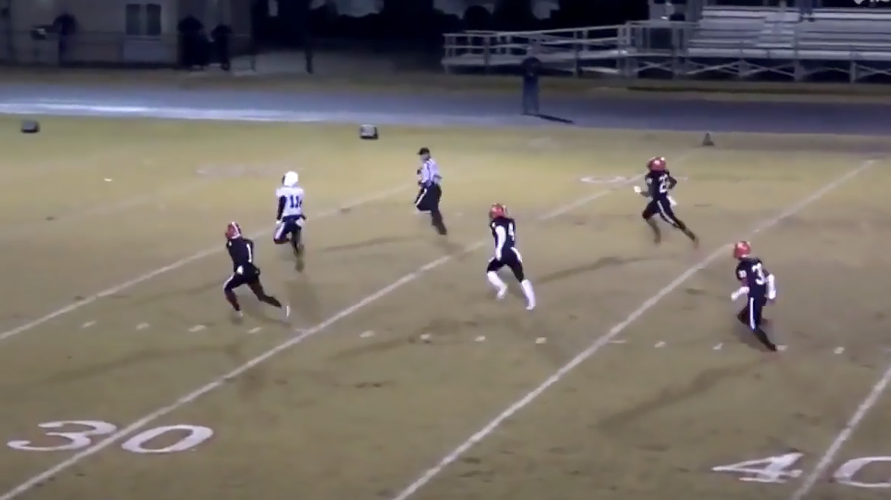 WATCH: Highlights of the Triangle's top 5 prep football plays of the week