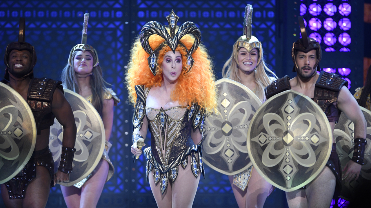Cher Apologizes For Swearing At Raleigh Nc Concert