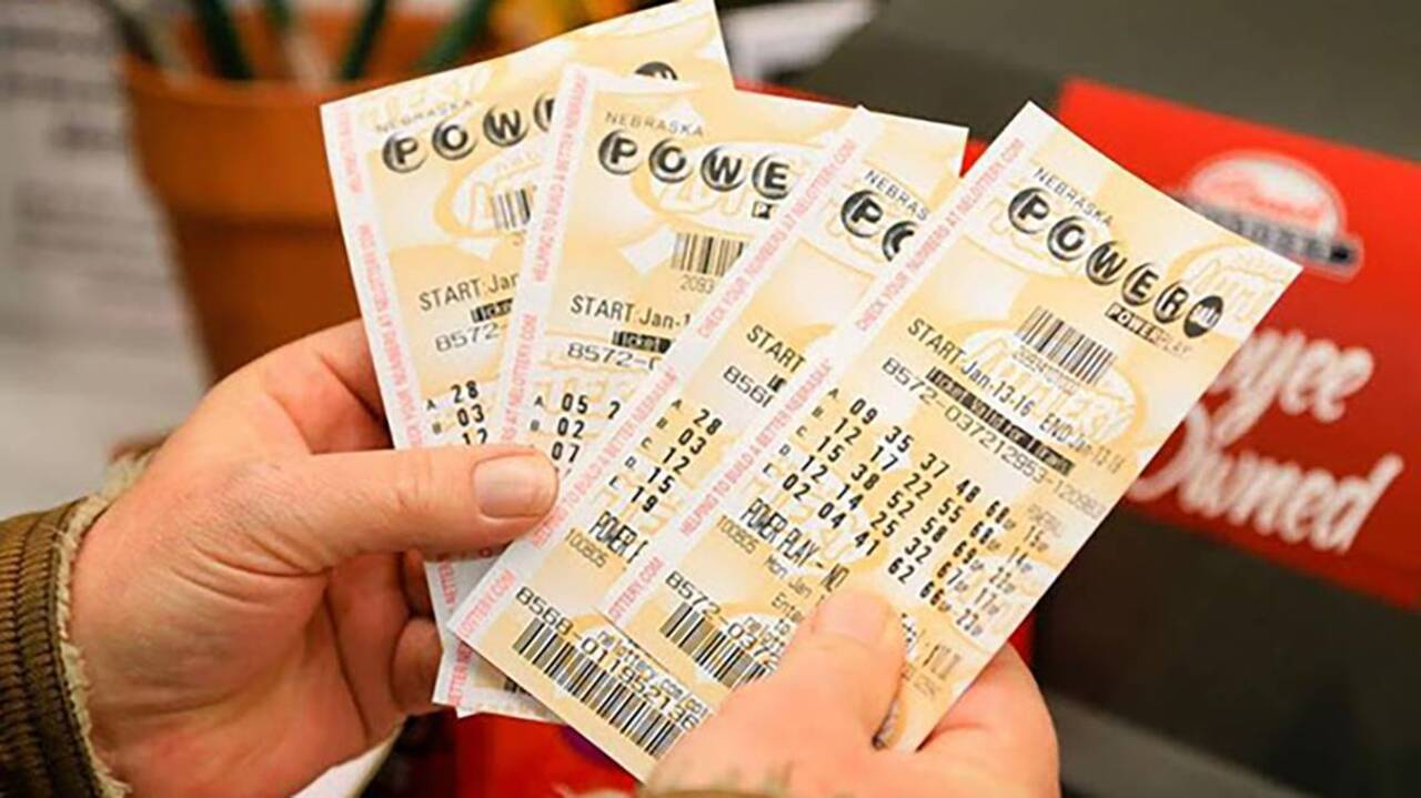 Giant Mega Millions Powerball Jackpots For Oct 19 And 20 2018