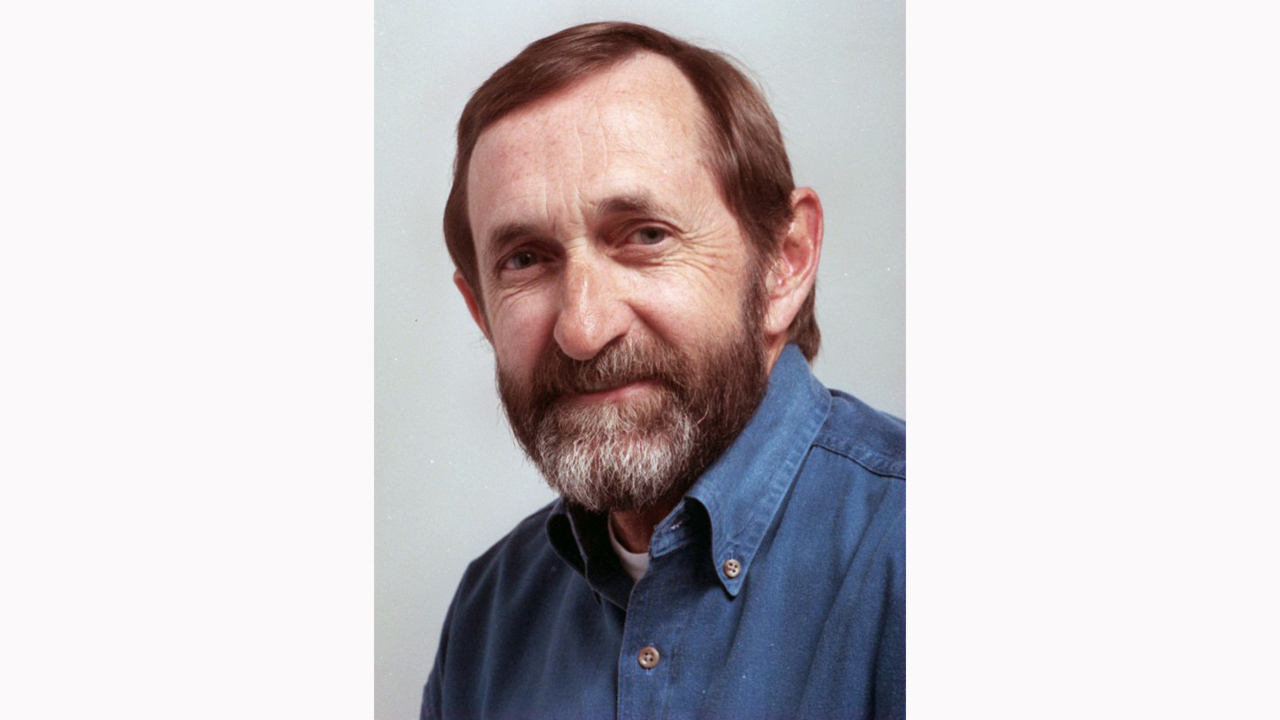 Dennis Rogers, longtime N&O columnist and chronicler of life in NC, dies at 77